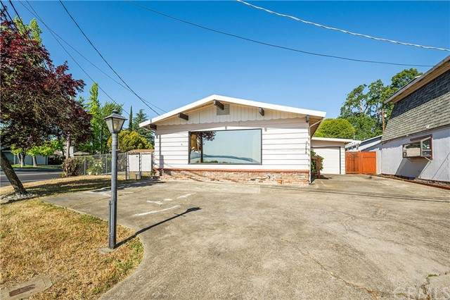 2023 Lakeshore Boulevard, Lakeport, CA 95453 (#LC21099540) :: Power Real Estate Group
