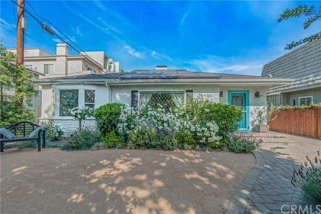4386 Camellia Avenue, Studio City, CA 91604 (#OC21099773) :: Compass
