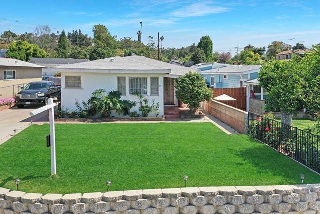 935 E. 3rd Ave., Escondido, CA 92025 (#210012494) :: McKee Real Estate Group Powered By Realty Masters & Associates