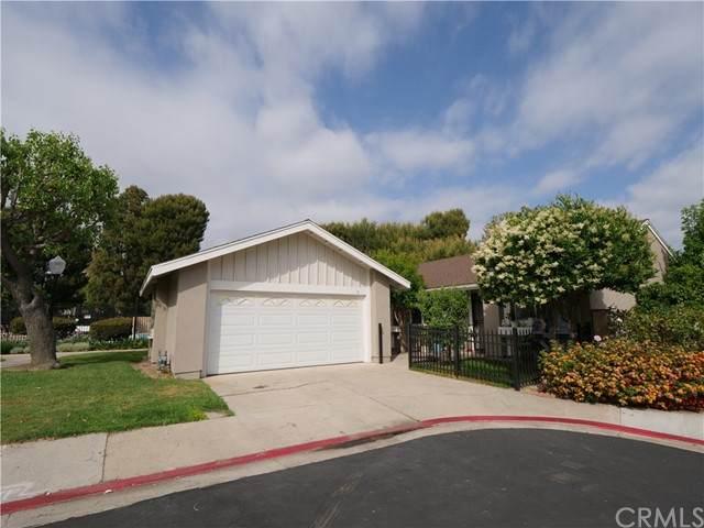 11 Monarch, Irvine, CA 92604 (#OC21099974) :: Mint Real Estate