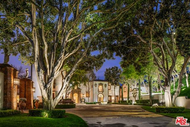 30 Beverly Park Terrace, Beverly Hills, CA 90210 (#21729976) :: The Marelly Group | Sentry Residential