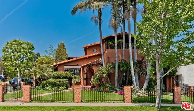 9139 Beverlywood Street, Los Angeles (City), CA 90034 (#21729414) :: Mark Nazzal Real Estate Group