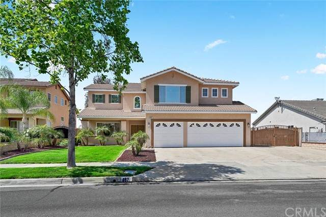 667 Sky Ridge Drive, Corona, CA 92882 (MLS #OC21099336) :: Desert Area Homes For Sale