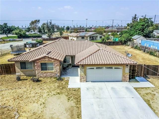 10721 48th Street, Jurupa Valley, CA 91752 (#CV21099994) :: The DeBonis Team