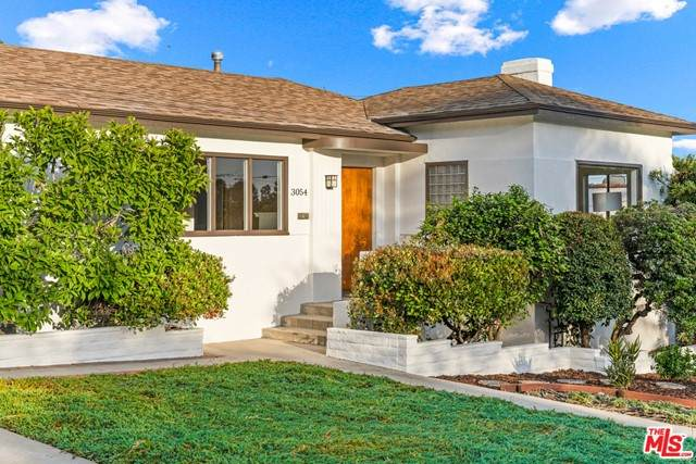 3054 St George St, Los Angeles (City), CA 90027 (#21724148) :: Power Real Estate Group
