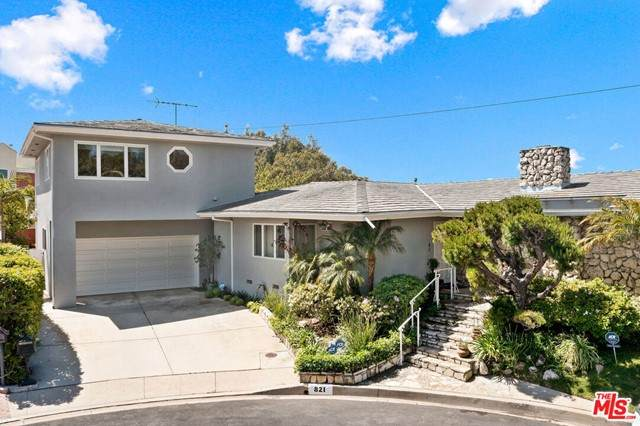 821 Glenmere Way, Los Angeles (City), CA 90049 (MLS #21728634) :: Desert Area Homes For Sale