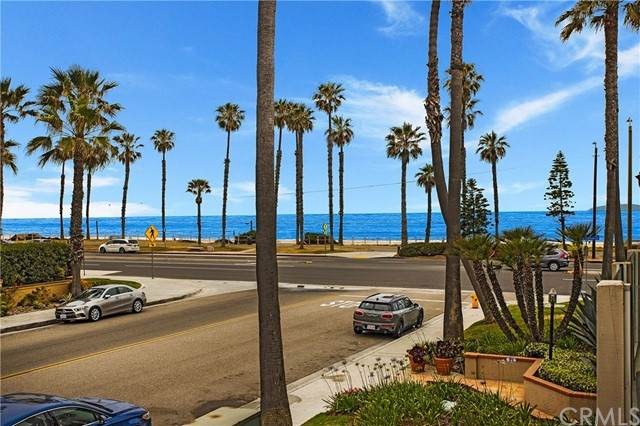 1400 Pacific Coast #102, Huntington Beach, CA 92648 (#OC21100205) :: Mint Real Estate