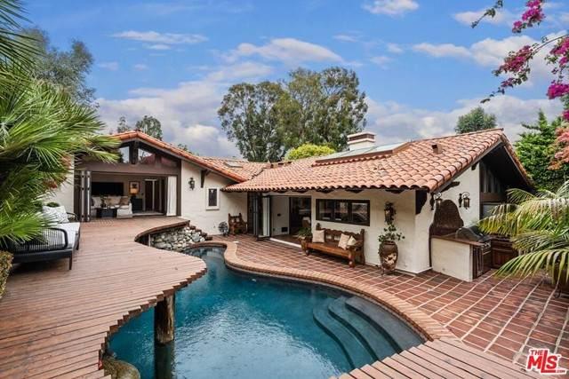 12235 Paisley Lane, Los Angeles (City), CA 90049 (#21727126) :: Frank Kenny Real Estate Team