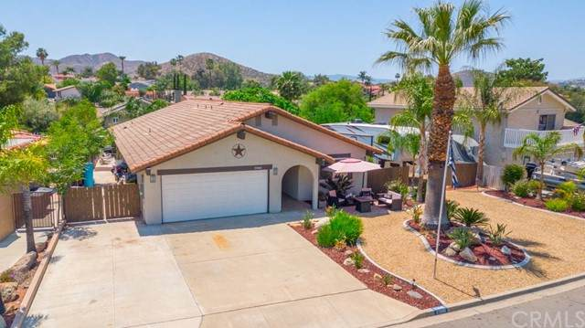 23061 Blue Bird Drive, Canyon Lake, CA 92587 (#SW21096685) :: Realty ONE Group Empire