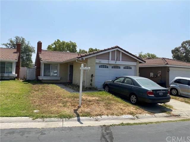 1371 N Park Avenue, Rialto, CA 92376 (#TR21100514) :: The Alvarado Brothers