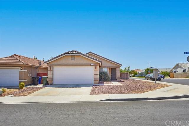14645 Queen Valley Road, Victorville, CA 92394 (#CV21100506) :: Realty ONE Group Empire