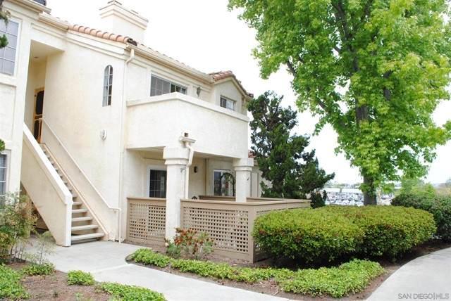 750 Breeze Hill Rd #125, Vista, CA 92081 (#210012529) :: Compass