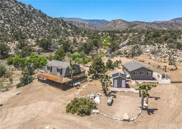 340 N Burns Canyon Road, Pioneertown, CA 92284 (#JT21089595) :: Mainstreet Realtors®