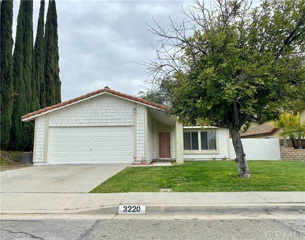 3220 Stella Avenue, West Covina, CA 91792 (#CV21100359) :: The Alvarado Brothers