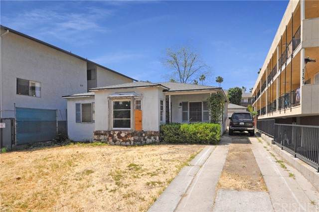 1147 Justin Avenue, Glendale, CA 91201 (#SR21100580) :: Compass