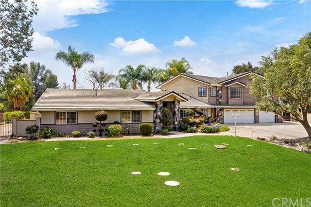 15901 Viewpoint Road, Riverside, CA 92504 (#IG21099800) :: The DeBonis Team