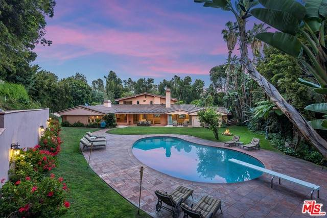 1013 N Beverly Drive, Beverly Hills, CA 90210 (#21730572) :: Mint Real Estate