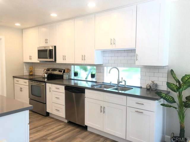 6811 Via Marinero, Carlsbad, CA 92009 (#NDP2105203) :: Power Real Estate Group