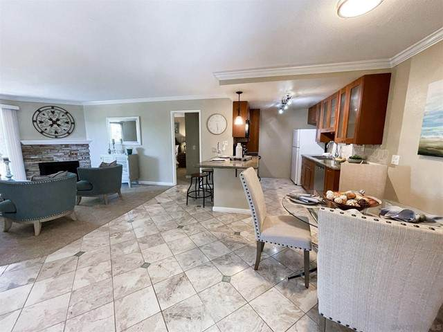 213 Woodland Pkwy #208, San Marcos, CA 92069 (#210012570) :: Mainstreet Realtors®