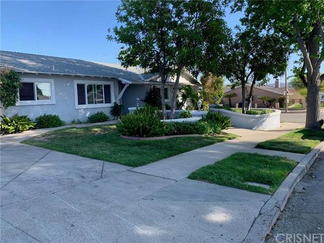 3204 Amarillo Avenue, Simi Valley, CA 93063 (#SR21100878) :: Team Forss Realty Group
