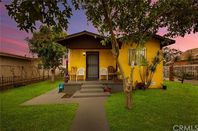 11319 Monitor Avenue, Los Angeles (City), CA 90059 (#DW21101016) :: Team Forss Realty Group