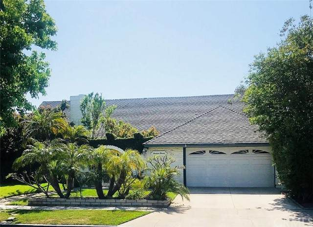 1411 S Pembrooke Lane, Anaheim, CA 92804 (#CV21099898) :: Compass