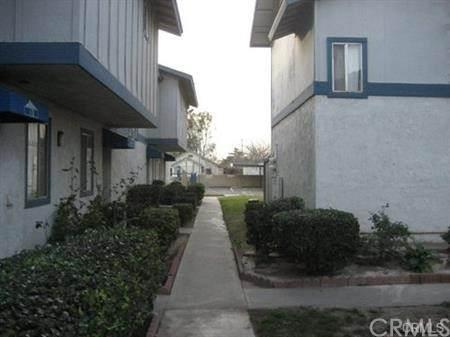 16770 San Bernardino Avenue 8A, Fontana, CA 92335 (#CV21101212) :: The Alvarado Brothers