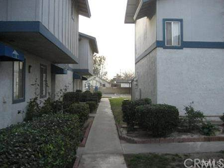 16770 San Bernardino Avenue 8A, Fontana, CA 92335 (#CV21101212) :: Team Forss Realty Group