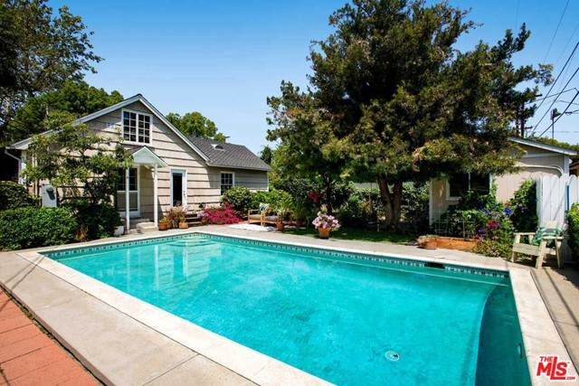 4740 Denny Avenue, Toluca Lake, CA 91602 (#21730156) :: Rogers Realty Group/Berkshire Hathaway HomeServices California Properties