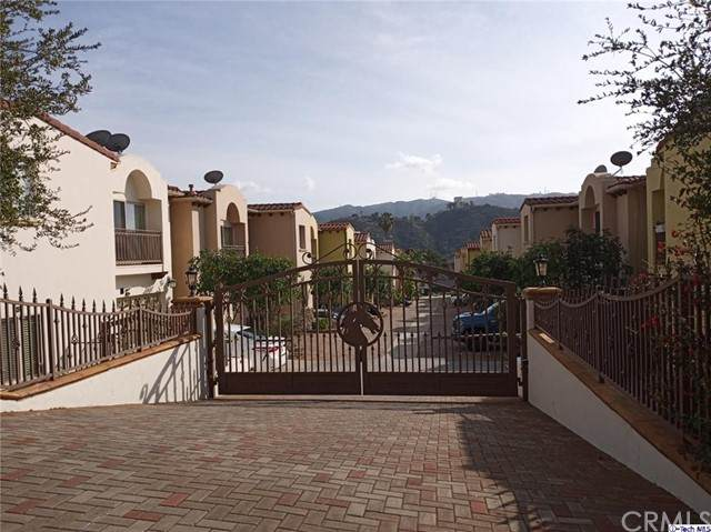 6920 Valmont Street #3, Tujunga, CA 91042 (#320004980) :: Blake Cory Home Selling Team