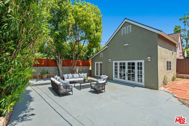 1312 Woodruff Avenue, Los Angeles (City), CA 90024 (#21729552) :: Frank Kenny Real Estate Team