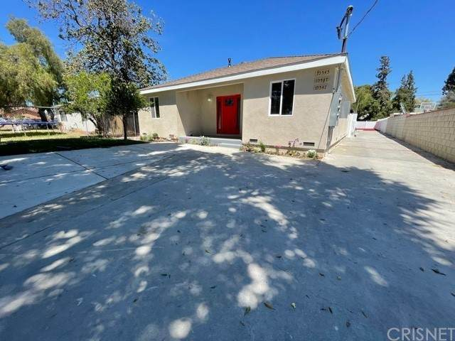 10547 Cantara Street, Sun Valley, CA 91352 (#SR21094911) :: Team Forss Realty Group