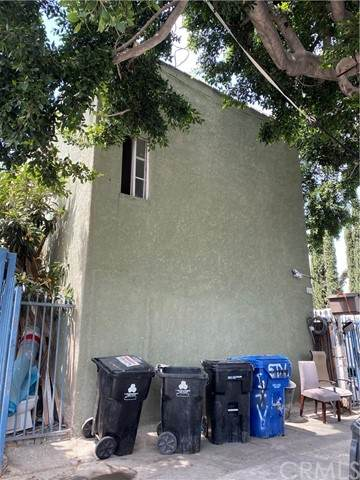7411 Stanford Avenue, Los Angeles (City), CA 90001 (#DW21101633) :: CENTURY 21 Jordan-Link & Co.
