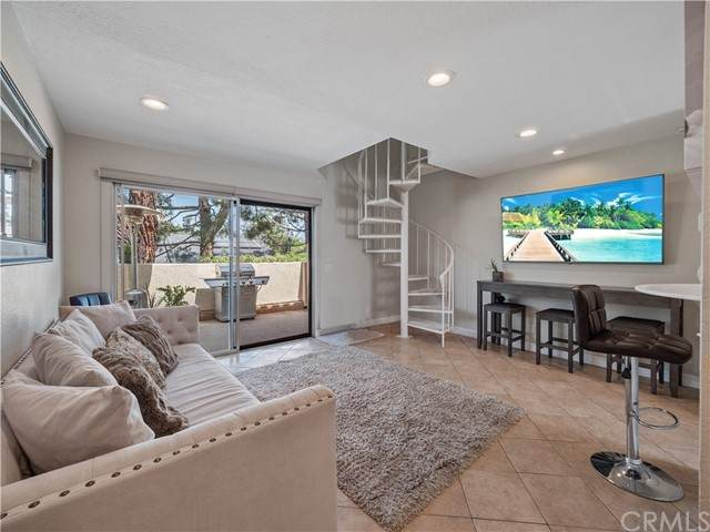 23322 La Mar A, Mission Viejo, CA 92691 (#OC21101594) :: Rogers Realty Group/Berkshire Hathaway HomeServices California Properties