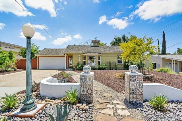 923 Park Hill Dr, Escondido, CA 92025 (#210012662) :: Steele Canyon Realty
