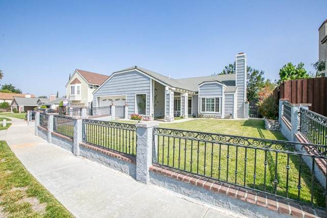 1367 Casmalia Court, Simi Valley, CA 93065 (#221002538) :: Compass