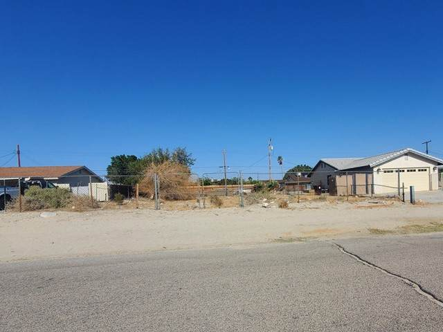 0 Monte Vista Way, Thousand Palms, CA 92276 (#219061949DA) :: Mark Nazzal Real Estate Group