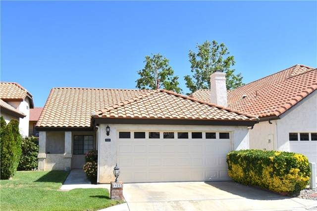 19252 Pine Way, Apple Valley, CA 92308 (#CV21099996) :: The Alvarado Brothers