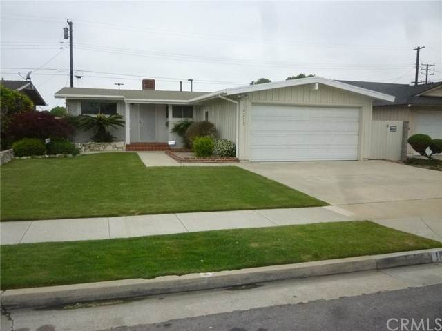 18213 Purche Avenue, Torrance, CA 90504 (#SB21101276) :: The Parsons Team