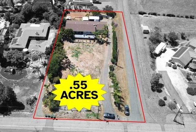 2320 Hutchison Street, Vista, CA 92084 (#NDP2105290) :: Massa & Associates Real Estate Group | eXp California Realty Inc