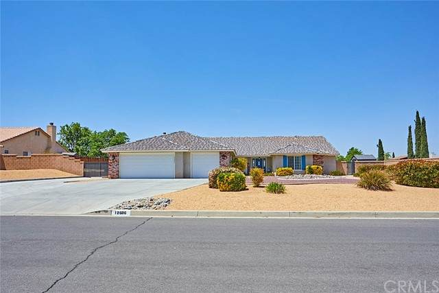 12606 Highline Drive, Apple Valley, CA 92308 (#CV21094757) :: The Alvarado Brothers