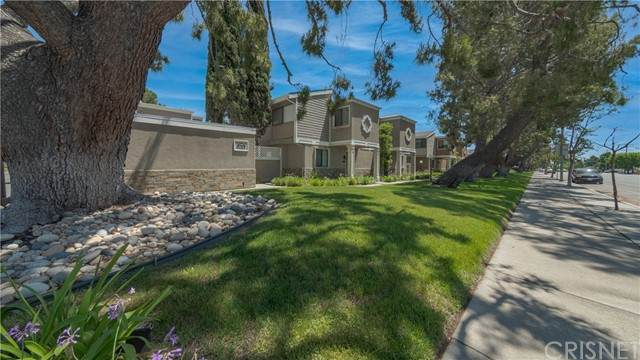 10750 Woodley Avenue #3, Granada Hills, CA 91344 (#SR21102191) :: Steele Canyon Realty