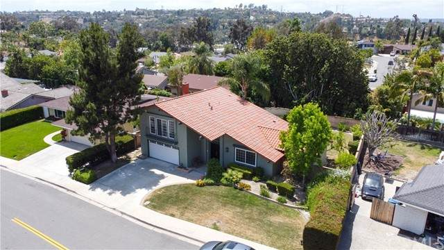 25441 El Picador Lane, Mission Viejo, CA 92691 (#PW21102377) :: Veronica Encinas Team