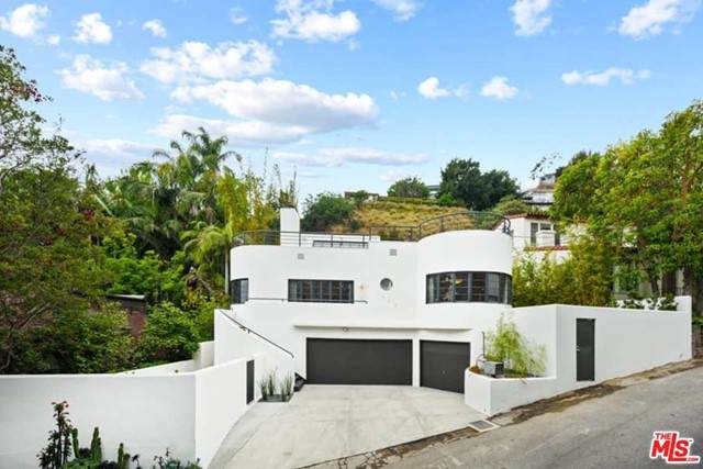 1543 Marmont Avenue, Los Angeles (City), CA 90069 (#21730384) :: Mark Nazzal Real Estate Group