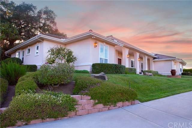2220 Via Rancheros, Fallbrook, CA 92028 (#ND21098367) :: Team Forss Realty Group