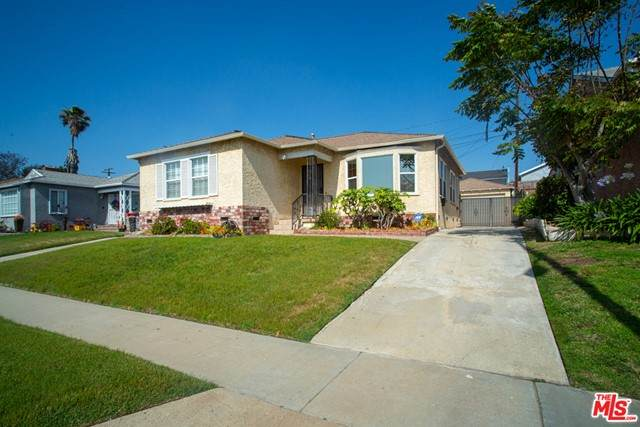 11516 S Wilton Place, Los Angeles (City), CA 90047 (#21731516) :: CENTURY 21 Jordan-Link & Co.