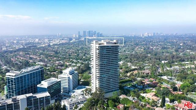 9255 Doheny Road Ph1 And 2, West Hollywood, CA 90069 (#21731596) :: The DeBonis Team