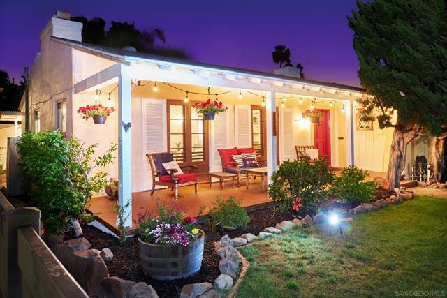 4585 3rd Street, La Mesa, CA 91941 (#210012869) :: Steele Canyon Realty