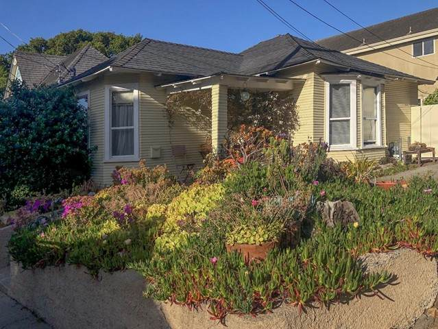 313315 11th Street, Pacific Grove, CA 93950 (#ML81843851) :: Mark Nazzal Real Estate Group