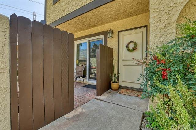 2774 Royal Oaks Drive #2, Duarte, CA 91010 (#AR21101727) :: eXp Realty of California Inc.